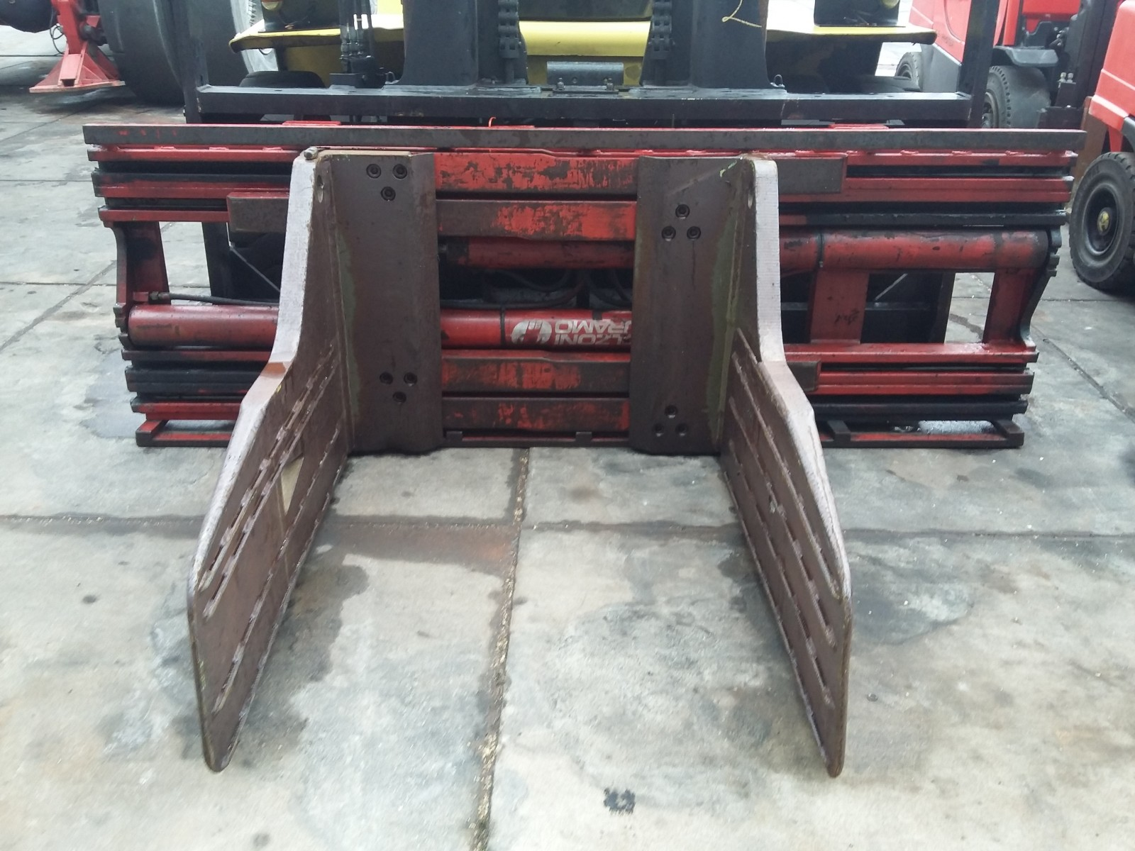 Bolzoni Auramo Ba 65pf Bale Clamps For Sale Forkliftcenter
