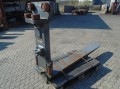 FORK Fitted with Rolls14000kg@1200mm // 2000x250x85mm 1