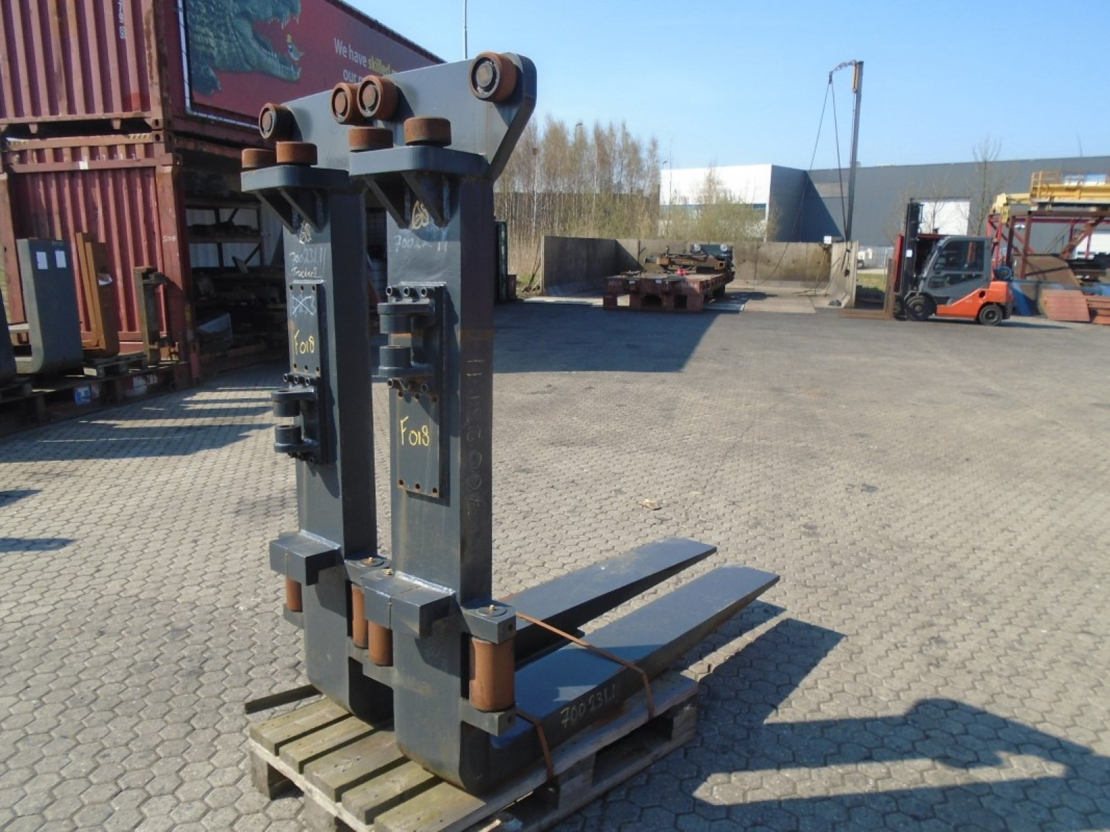 FORK Fitted with Rolls 25.000kg@1200mm // 1800x250x110mm 1