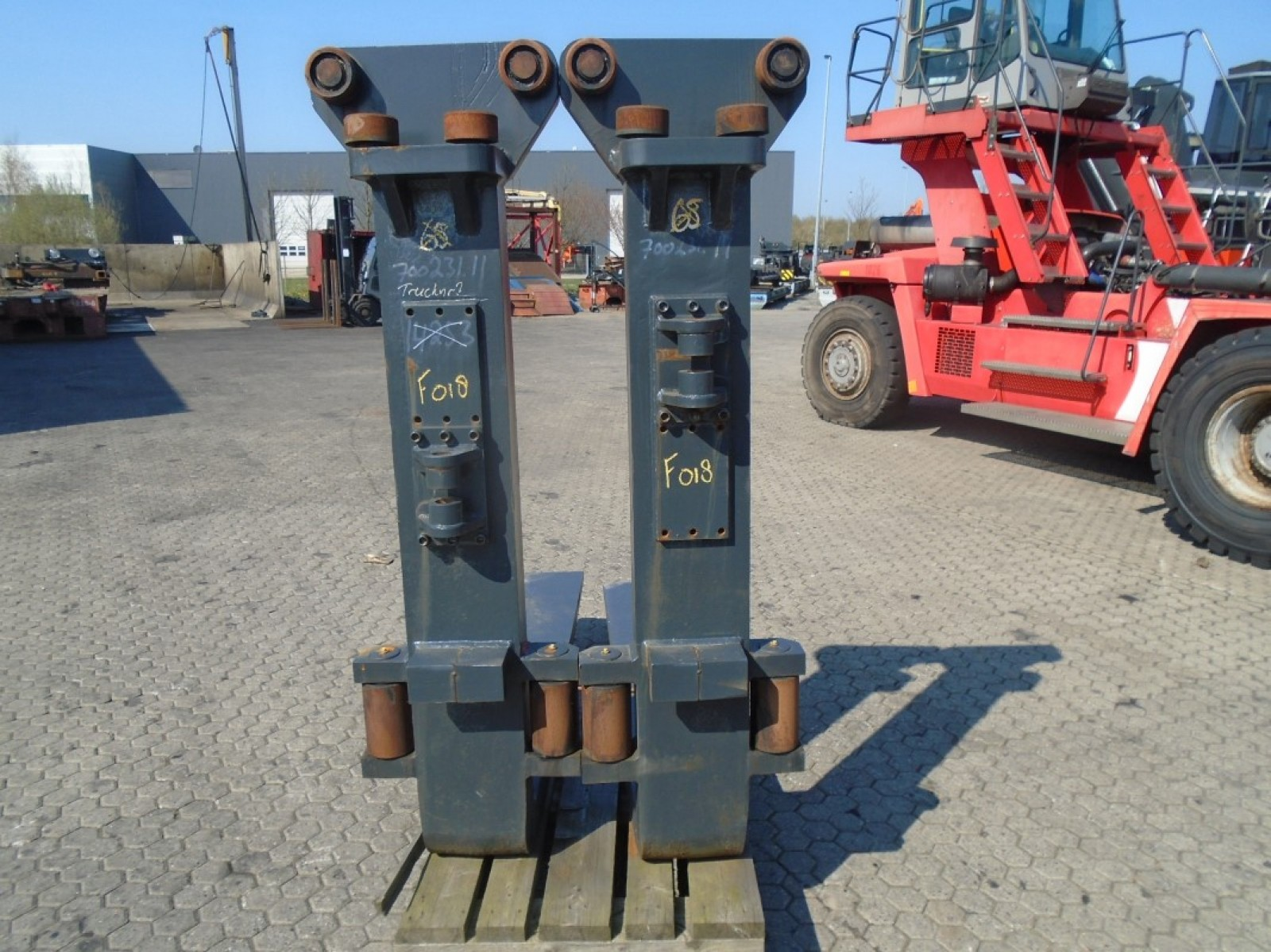 FORK Fitted with Rolls 25.000kg@1200mm // 1800x250x110mm 2