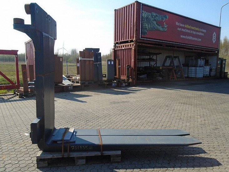 forksFitted with Rolls, Kissing Forks 28.000kg@1200mm // 2400x300x110mm