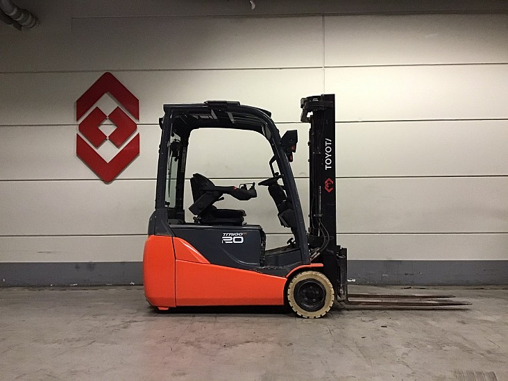 3 Whl Counterbalanced Forklift <10t8FBEKT20